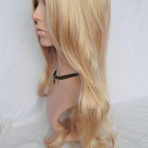 Pruik Lang donker blond krullend,SOLDEN-KOOPJE !,(G27-1047)