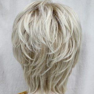 PRUIK Half lang donker blond (1943A-15bt613)
