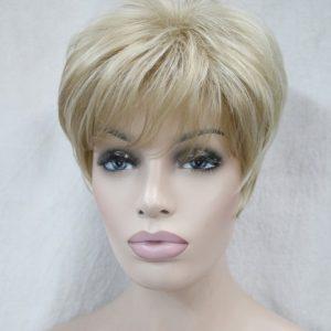 PRUIK Kort  donker blond met mixed zeer licht rood. (Ronic-L16-613)