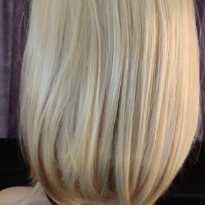 Pruik kort Blond (pk-W5) **AFGEPRIJST**