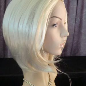 Pruik kort Blond (pk-W6) **AFGEPRIJST**