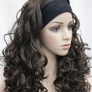 Donker bruine pruik, licht krullend, met hoofdband E-T6-6